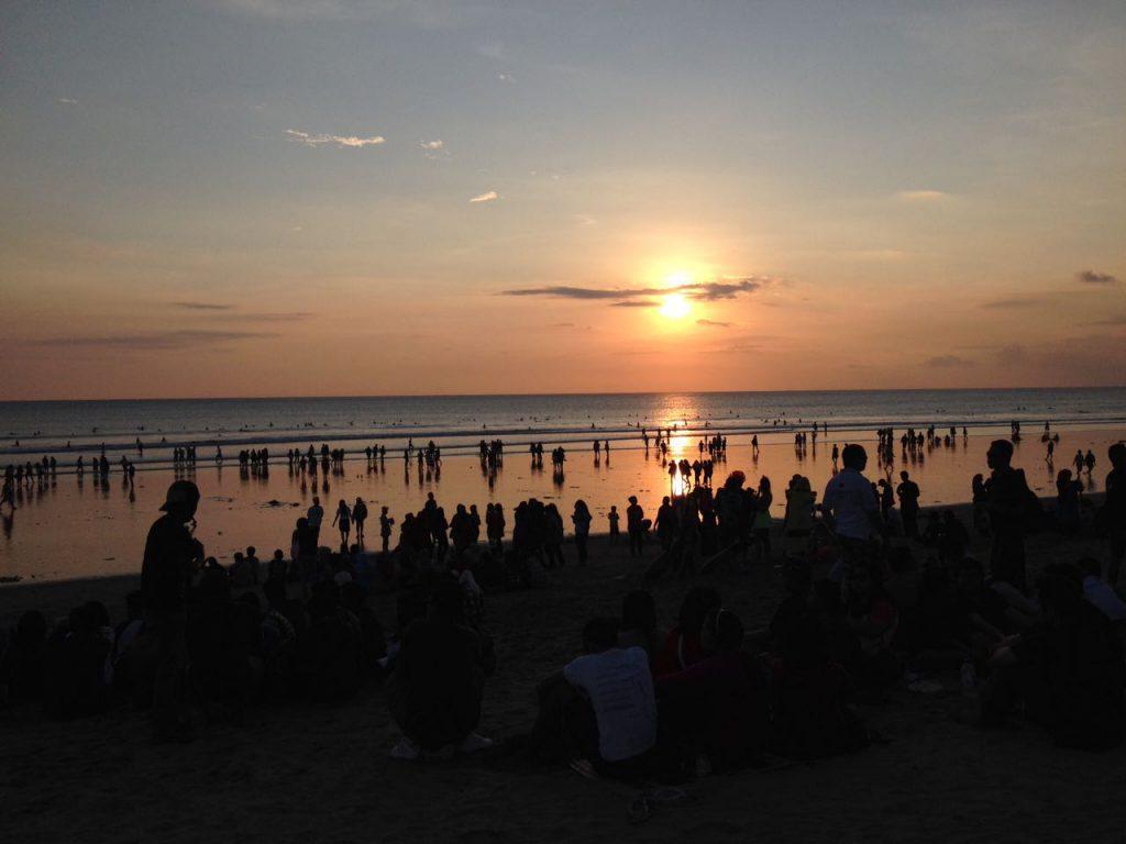 Gefährdetes Paradies Bali: Schöne Augenblicke genießt man in der Hauptreisezeit nicht alleine!