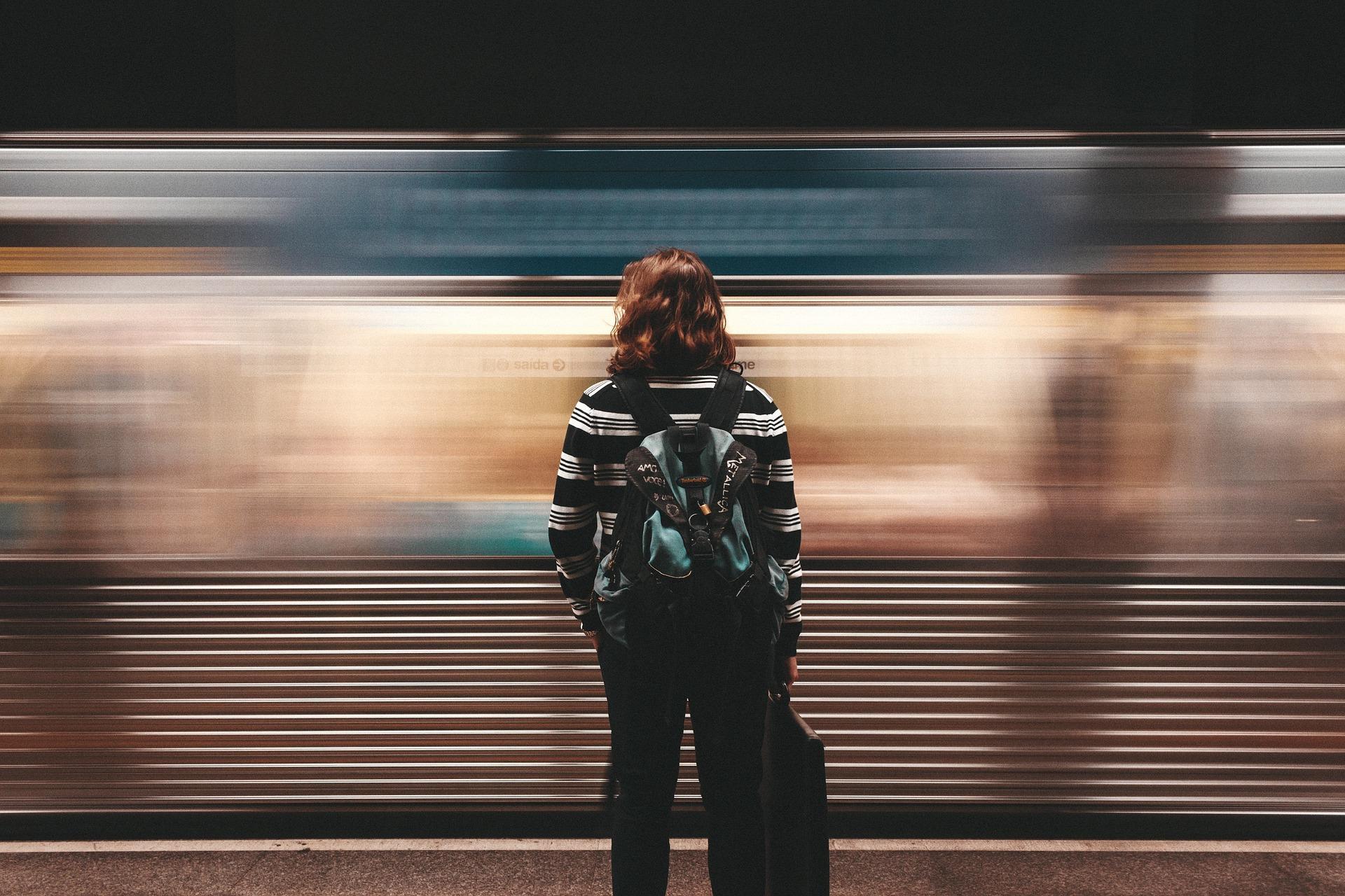 Weniger Langeweile auf Zugfahrten? All die guten Ratschläge helfen nichts, wenn du nicht gut vorbereitet bist!