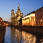 Bluterlöserkirche in St. Petersburg bei Nacht