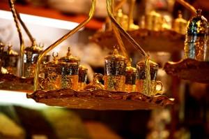 Türkische Tee-Sets sind ein beliebtes Souvenir aus Istanbul