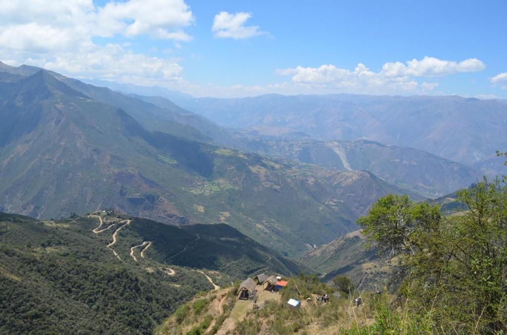 Blick über die Anden: Startschuss unserer Wanderung über den Salkantay Trail.