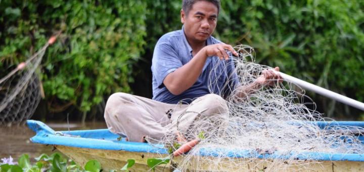 Fischer auf dem Kinabatangan River