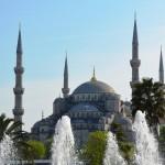 Wasserspiel vor der Blauen Moschee
