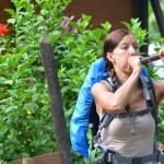 Kläglicher Versuch: Pfeil schießen mit Blasrohr