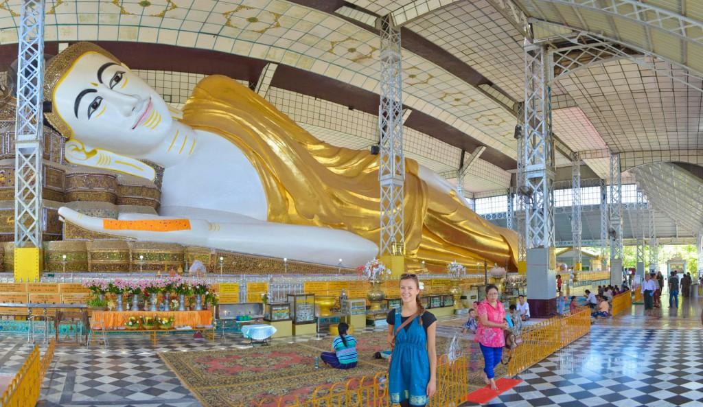 Der liegender Buddha in der Shwethalyaung Pagode in Bago.