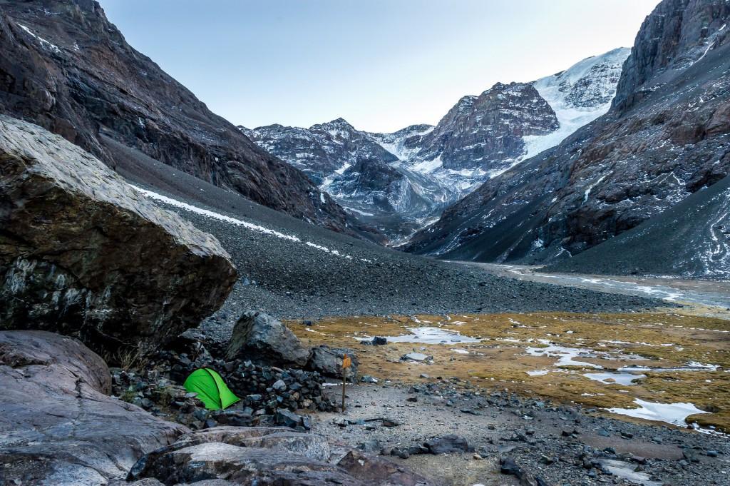 Kostenlos übernachten: Campen im eigenen Zelt.