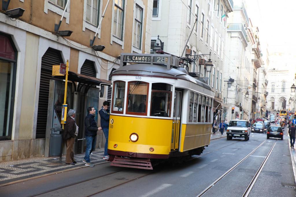 Nostalgie pur: Tram 28 in Lissabon