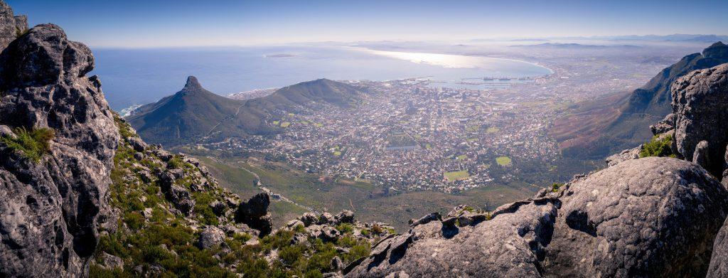 Top 5 Spots in Südafrika: Atemberaubende Aussicht auf Kapstadt, den atlantischen Ozean und den Lions Head