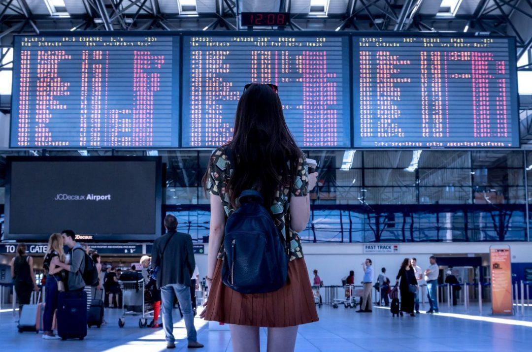 Wartezeit am Flughafen: Das sind deine Rechte!