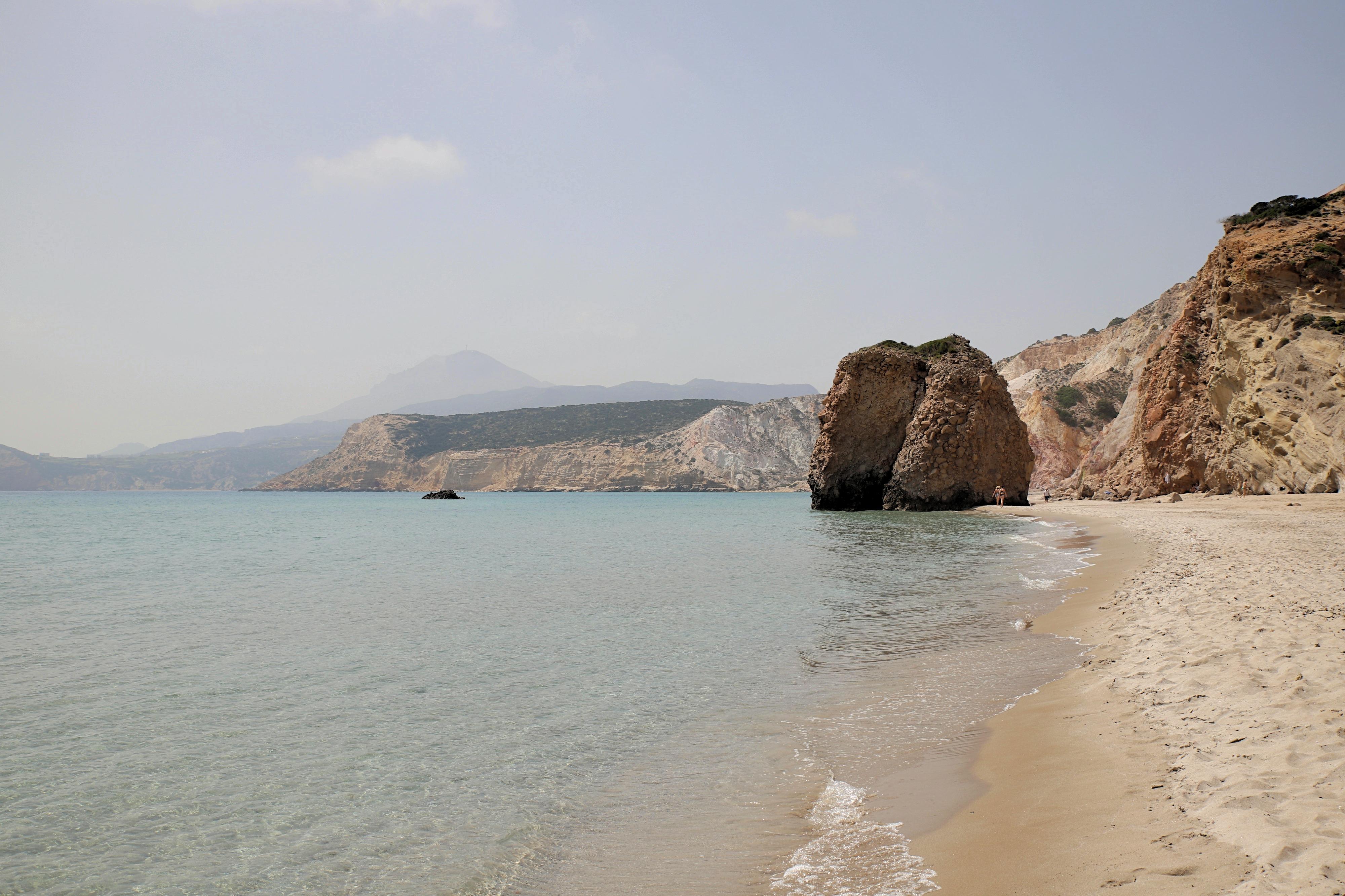 Mein absoluter Lieblingsstrand auf Milos ist der Firiplaka Beach, diesen wunderschönen Ort zum Baden hatten wir komplett für uns allein.
